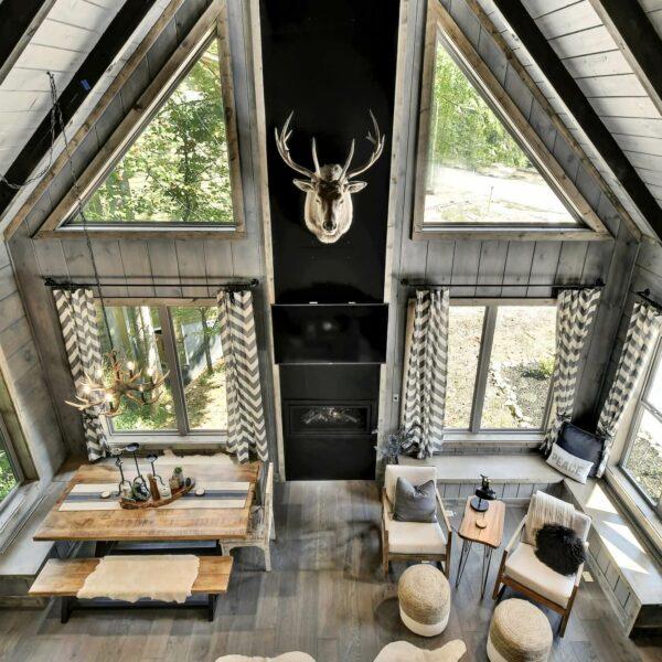 Oakleys Mountain Modern Lodge 044